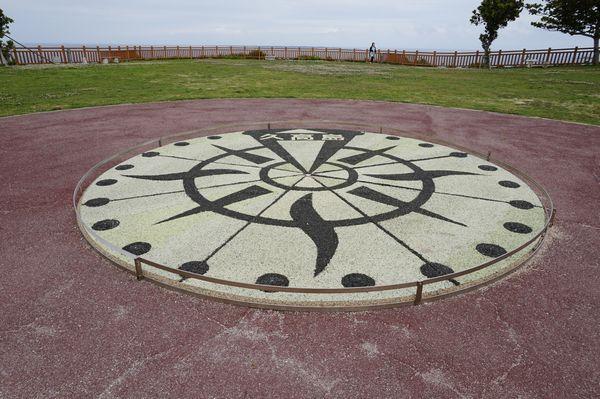 知念岬コンパス画像