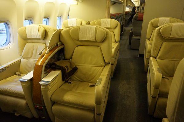 JAL922便ファーストクラスシート画像