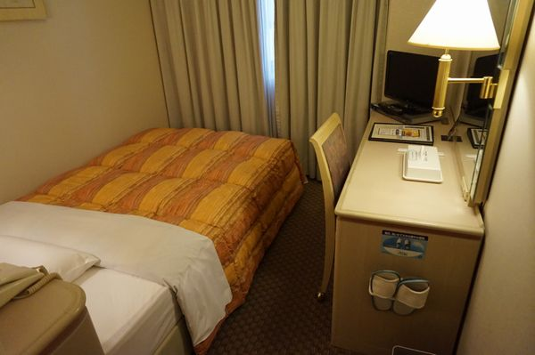徳島ワシントンホテルプラザシングルデスク側画像