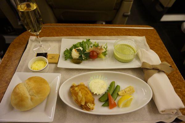 JAL922便ファーストクラス機内食画像