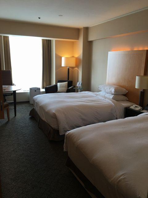 シェラトン都ホテル大阪のツインルーム(窓側)