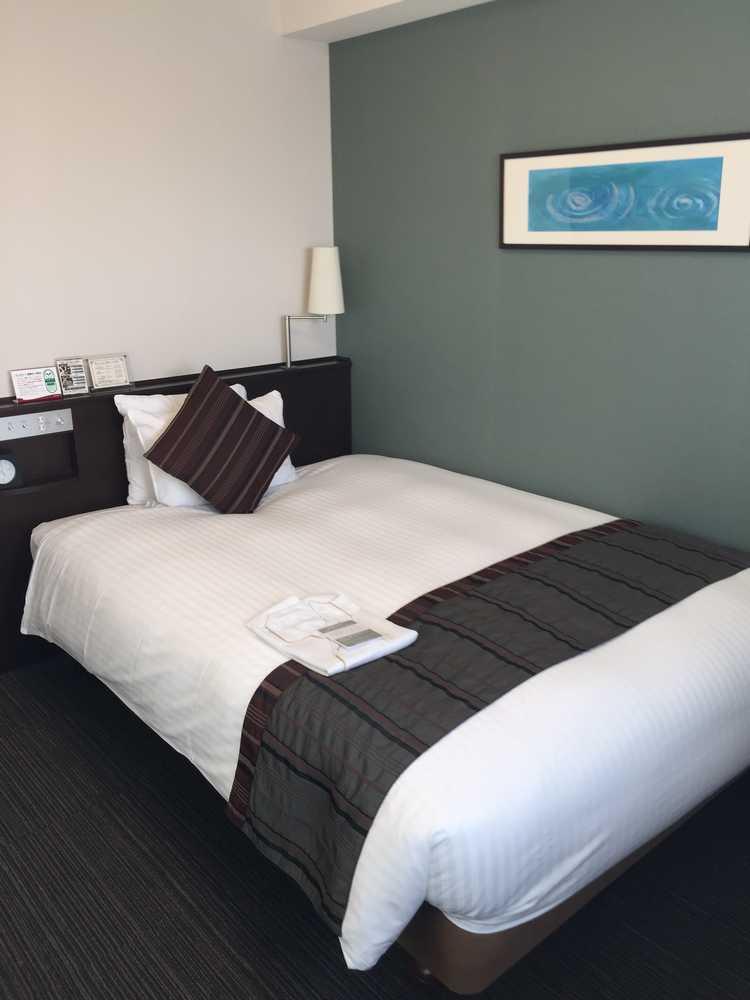 リッチモンドホテル山形駅前ベッド側画像