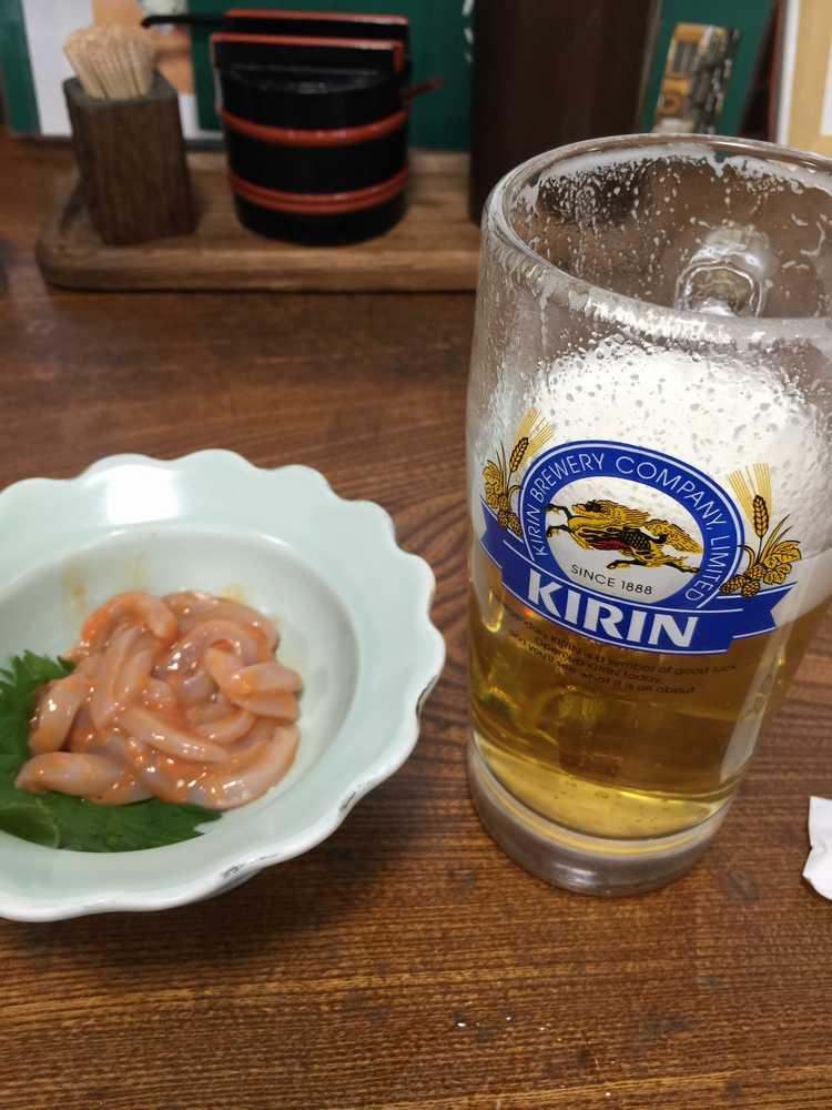 天童市水車生そばビールと塩辛画像
